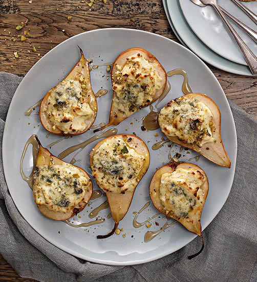 Creamy Blue roasted pears with pistachios